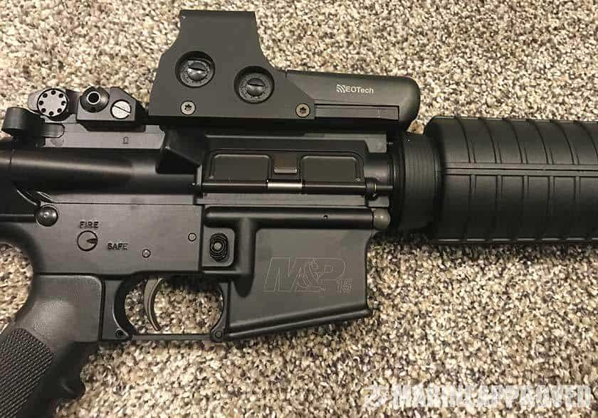 EOtech Holographic Sight Close Up