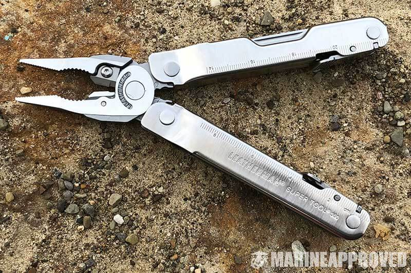 Leatherman-SuperTool-300-on-Rock